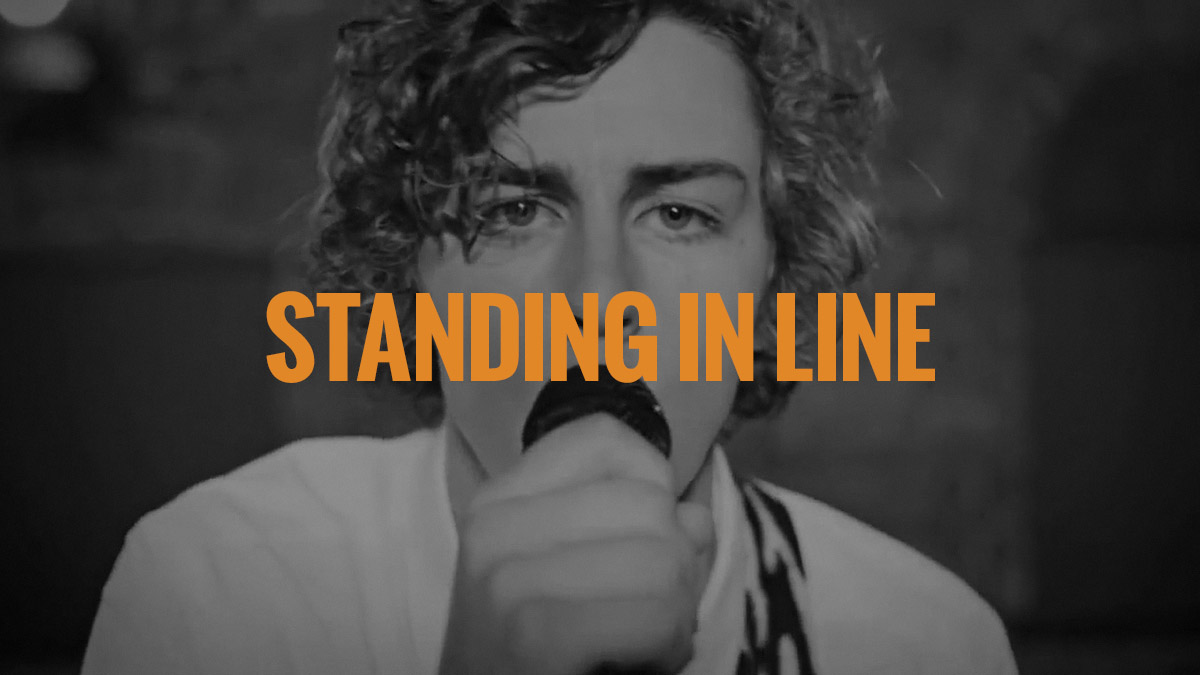 standing_in_line