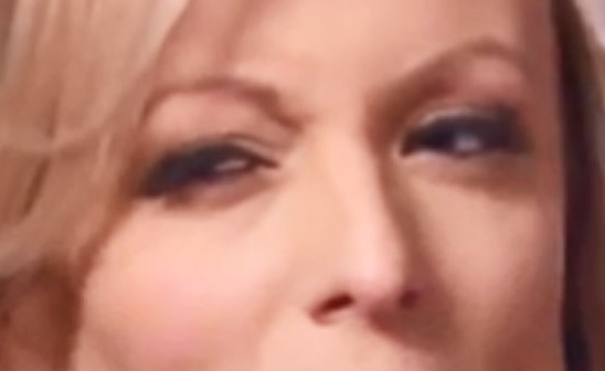 260318_stormydaniels_env_eyes4a